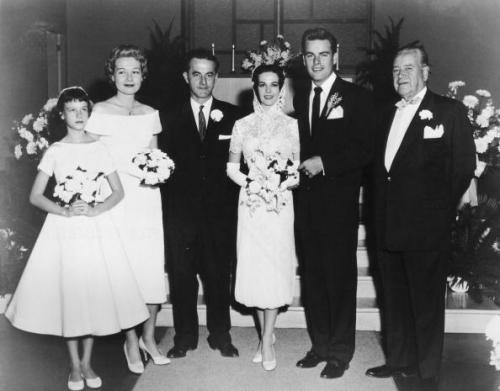 Natalie Wood was stunning in a cocktail dress and ballet flats for her wedding to Robert Wagner