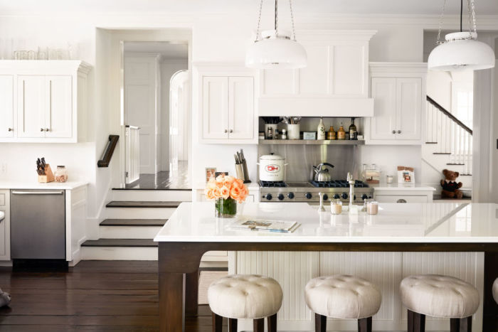gallery-1478113184-alec-baldwin-home-kitchen