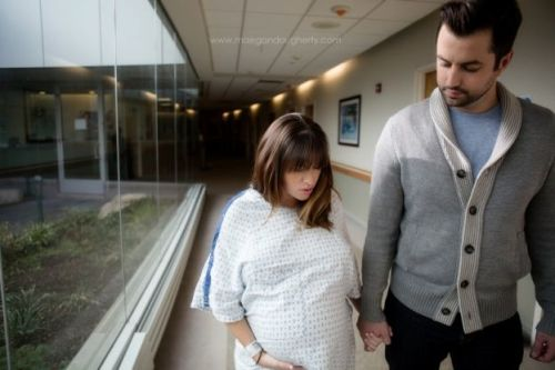 Kate takes a stroll during labour. Image: Maegan Dougherty Photography