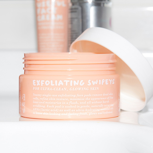 Go-To Exfoliating Swipeys. Facial exfoliation perfection.