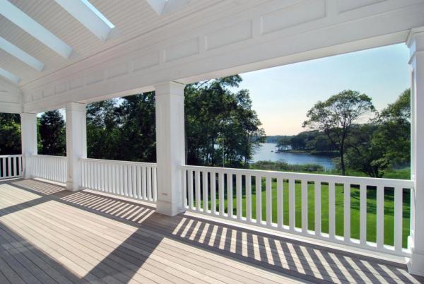 The veranda. Heaven. Image: Jeffrey Colle