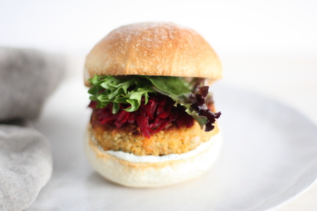 Crunchy quinoa veggie burger with pickled beetroot_close up copy