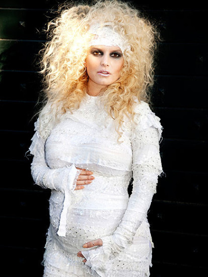 """Who doesn't remember this one? Jessica Simpson showing her tummy with """"it's true - I'm going to be a mummy."""""""