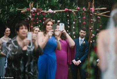 2E2C903E00000578-3307006-Photographer_Thomas_Stewart_has_had_enough_of_wedding_guests_who-m-11_1446821390250