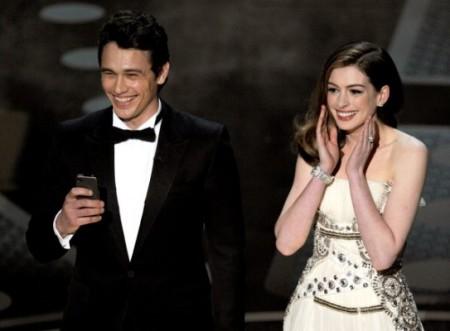 Oscars-James-Franco-Anne-Hathaway-543x400