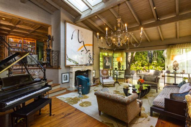 jennifer-lopez-28-million-mansion-home-house-bel-air-4-640x427