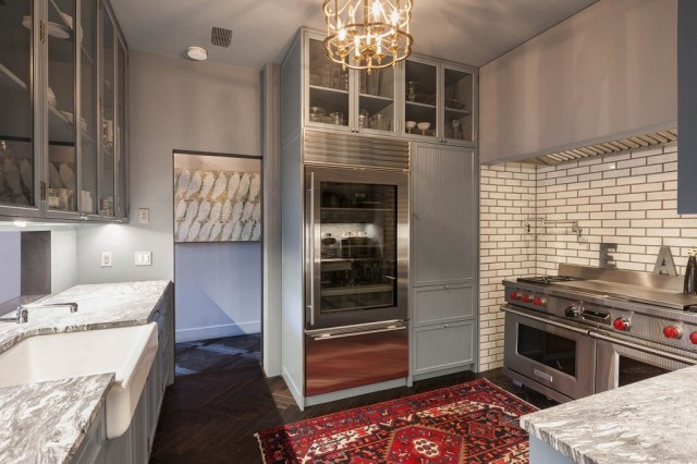taylor-swifts-new-nyc-apartment-will-blow-your-mind-1858411.640x0c
