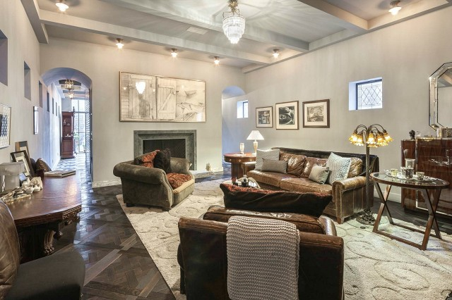 taylor-swifts-new-nyc-apartment-will-blow-your-mind-1858407.640x0c