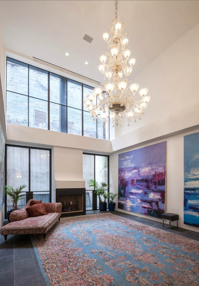 taylor-swifts-new-nyc-apartment-will-blow-your-mind-1858405.640x0c