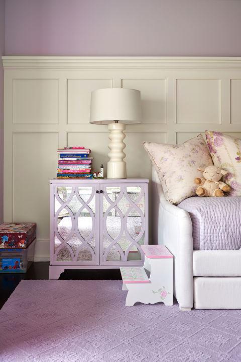 gallery-1478112867-alec-baldwin-home-child-bedroom