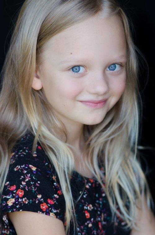 Ivy George plays Amabella Klein
