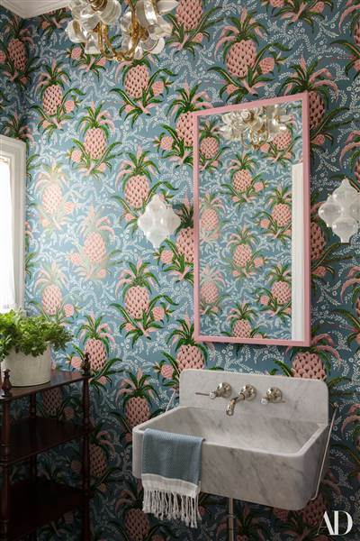 mindy-kahling-powder-room-today-170712_1dc35c09f61f505fd0cce365375fe24c.today-inline-large