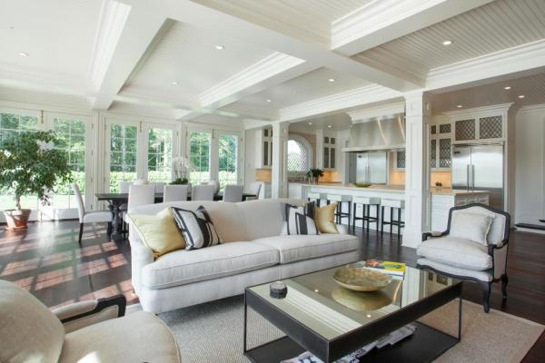Casual lounge/dining. Image: Jeffrey Colle